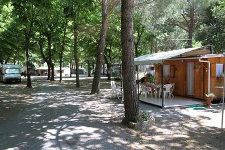 http://www.campingrustia.it