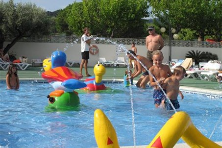 pool camping roca grossa