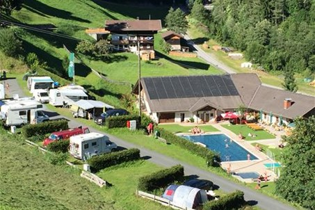 Panorama Camping Lesachtal, mit Schwimmbad.