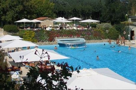 Parco delle piscine for Camping parco delle piscine toscane