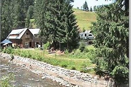 Camping Sommerküche : Im westkarpaten naturpark am ariesch fluß.