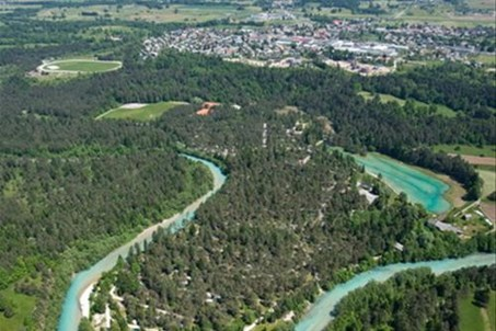 Camping Šobec lies in the pine forest between river Sava and Karavanke mountains