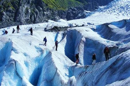 Guided glacier walk on the Buerglacier
