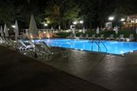 Swimmingpool light effect, creating a real holiday feeling while enjoying your apperitivo on our terrace...