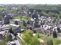 © Homepage www.ot-fougeres.fr/infos/CAMPINGFOUGERES.htm